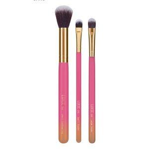 Luxor Summer Daze Brush Set. New in plastic